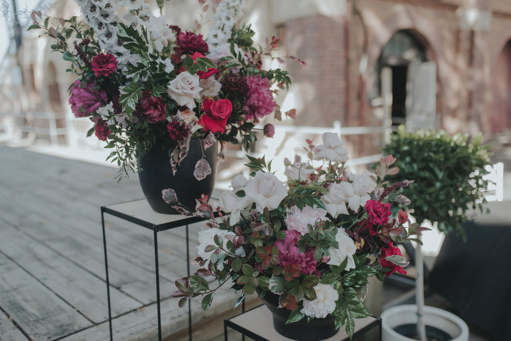 Lush-romantic-flowers-red-pink-wedding-HT-Events.jpg