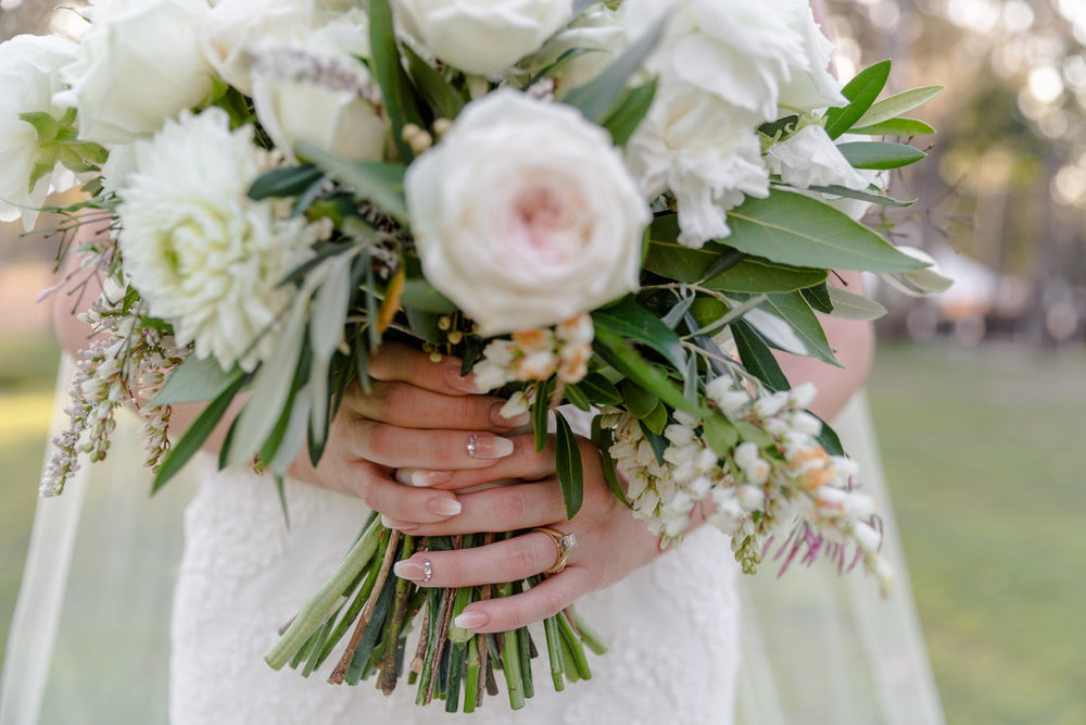 Natural-wedding-bouquet-roses-blush-pink-white-HT-Events.jpg