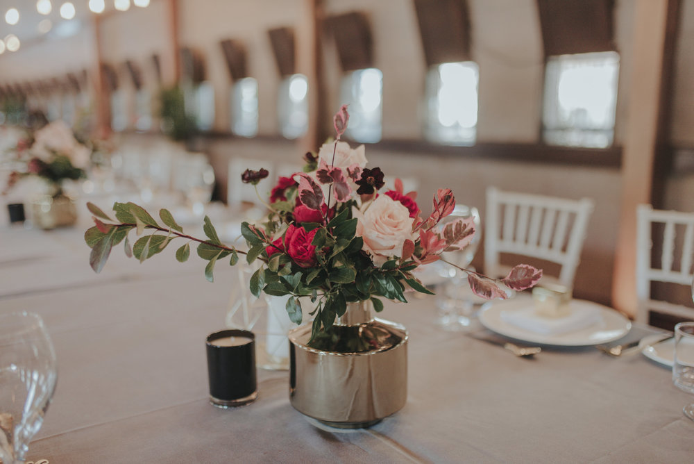 Red-pink-romantic-wedding-flowers-grey-table-cloth-HT-Events.jpg