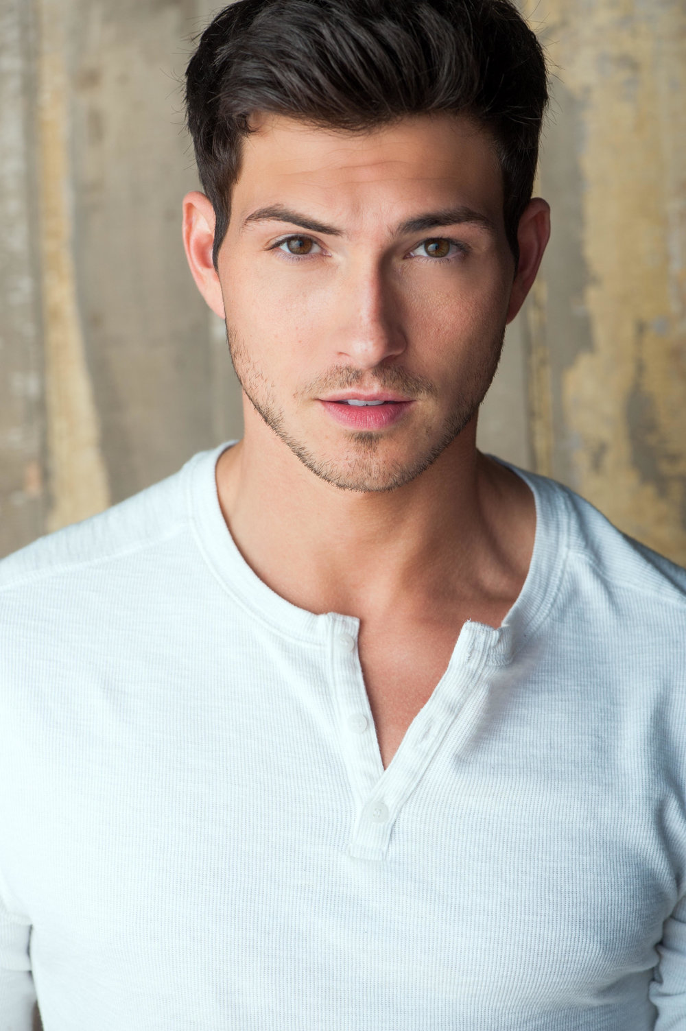 """Robert Scott Wilson –Ben the adopted son   Wilson, a Massachusetts native, made the move to Los Angeles in 2010 to pursue his journey as an actor. Robert Scott Wilson currently stars as Ben Rogers/Weston on """"Days of our Lives."""" When he is not on set, the self-declared die-hard New England sports fan enjoys playing basketball, football and paintball. He also loves to spend his free time relaxing with his two dogs, family and friends."""