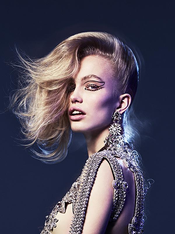 Vogue Turkey 1R.jpg