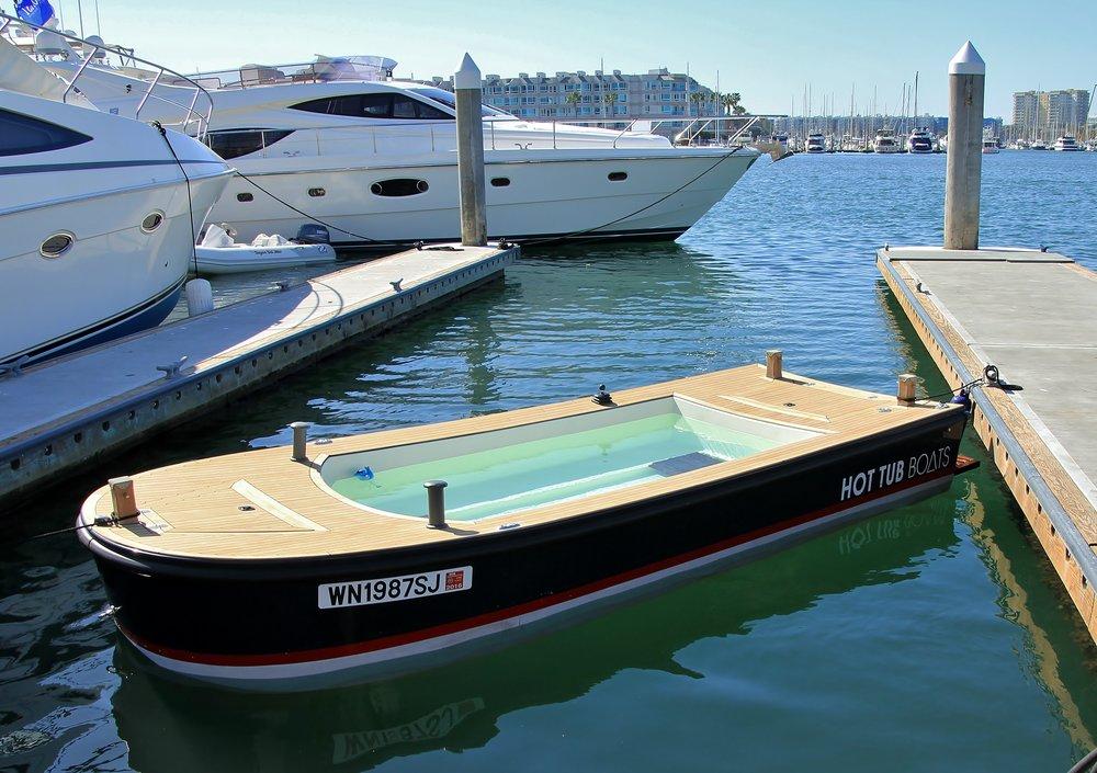 LA boat showTahoe 350.JPG