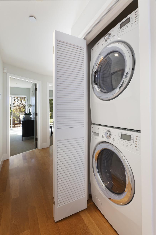 3011_20th2-laundry