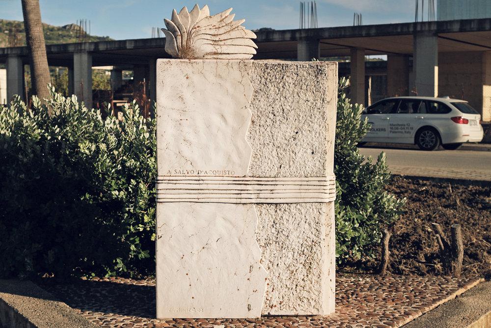 MONUMENTO A S. D'ACQUISTO  Carlo La Monica 2002