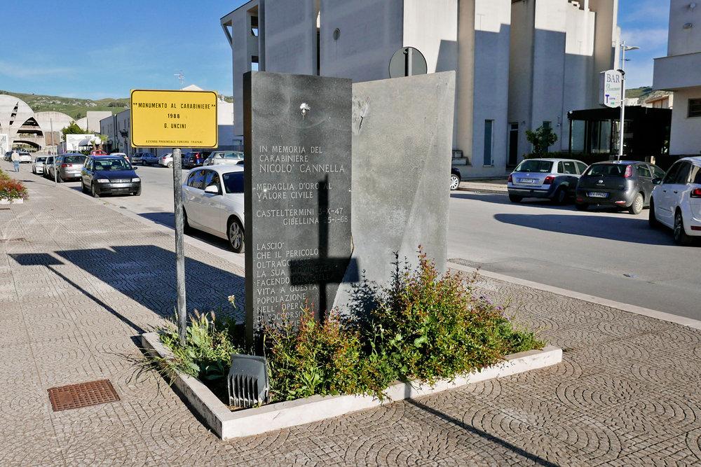 MONUMENTO AL CARABINIERE  Giuseppe Uncini 1988