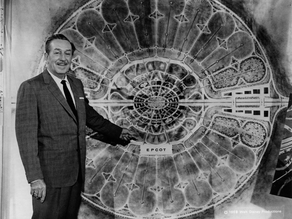 Walt Disney nel suo film  EPCOT, Experimental Prototype Community of Tomorrow , 1966