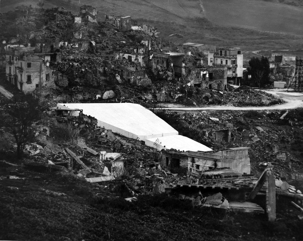 """Alberto Burri's """"Il Cretto"""" being built over the ruins of Gibellina Vecchia, 1985"""