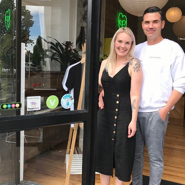 Penelope and Nick @kind.grocer ✊️❤️💧🌏 Feeding our bellies and refilling our water bottles ~ Link in bio for other legends who are helping New Zealand become plastic bottled water free ⭐️ Pop in and top up, customer or not ⭐️