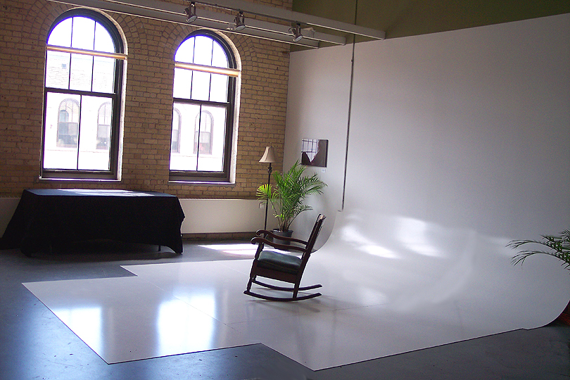 Infinity wall photo space