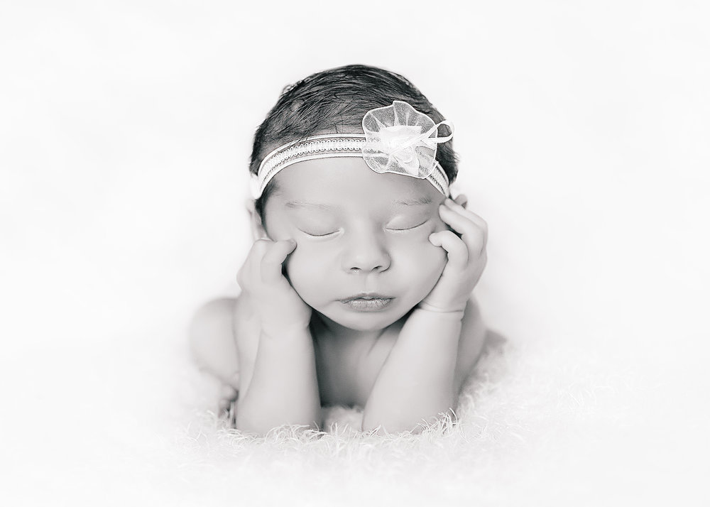 Eliza 1 Month (70).jpg
