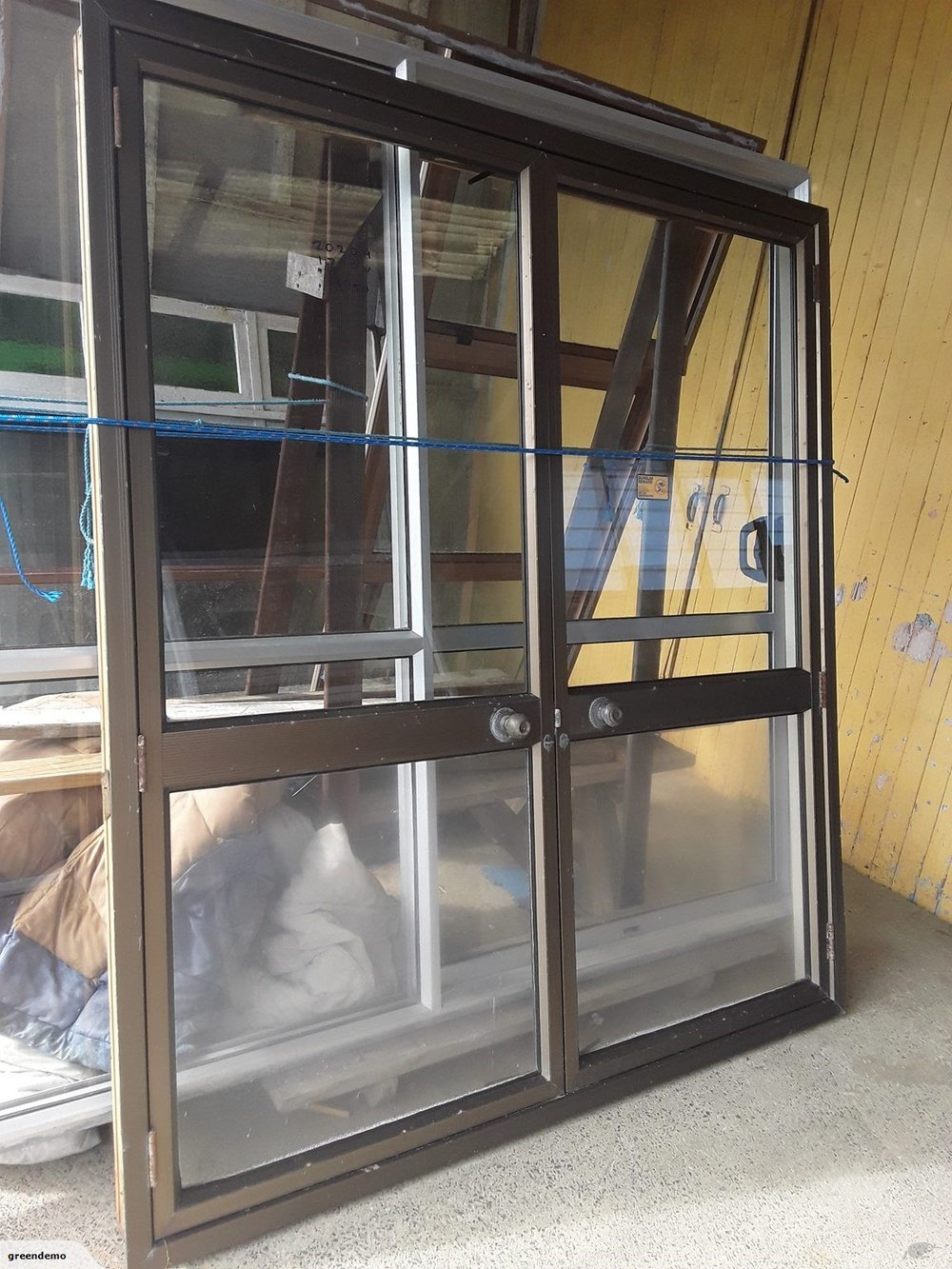 We buy and sell  - Aluminium doorsAluminium windowsAluminium ranch slidersAluminium and wooden  French doorsWooden interior and exterior doors