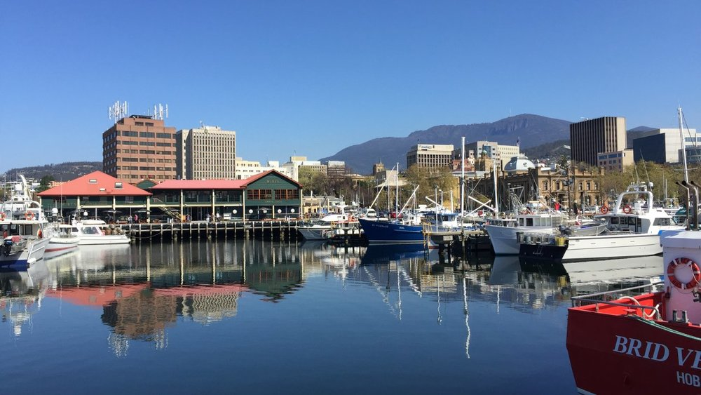Hobart Walking Tours - We are professionally trained guides, story tellers and local hosts with one focus: to give you an experience of Hobart you will want to tell your friends about.