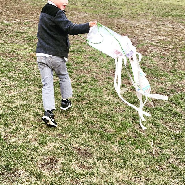 Making kites from recyclables! 🎏🌿🍃🌱 #earlychildhoodeducation #northshorema #outdooreducation #forestschool #engineering #preschoollife don't forget to sign up for our summer series outdoor engineering class!