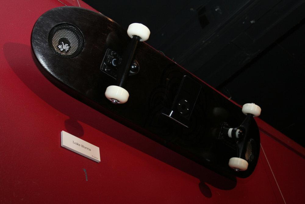 TUHI_Skateboard_iPodDock2.jpg