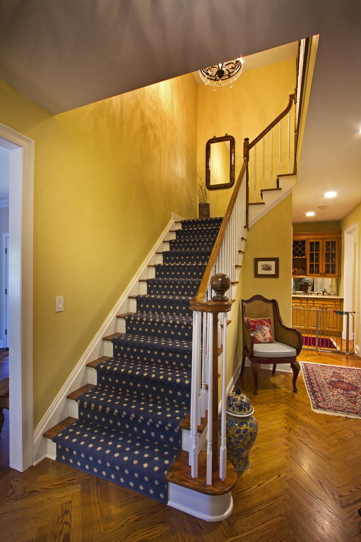 Park Ridge Home_Stairway_1271.jpg