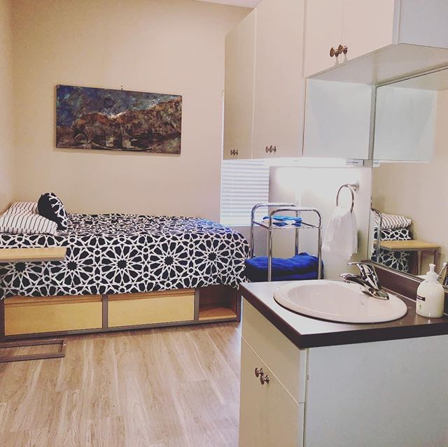 Full sized bed with 4 drawer dresser, personal vanity with cabinetry, plus a desk and chair- all provided! #studenthousing #utchousing #chattstatehousing #utc #chattstate #downtowncha #forrentcha #chattanoogaapartments #offcampushousingutc