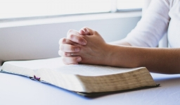 prayer-hands-bible.jpg