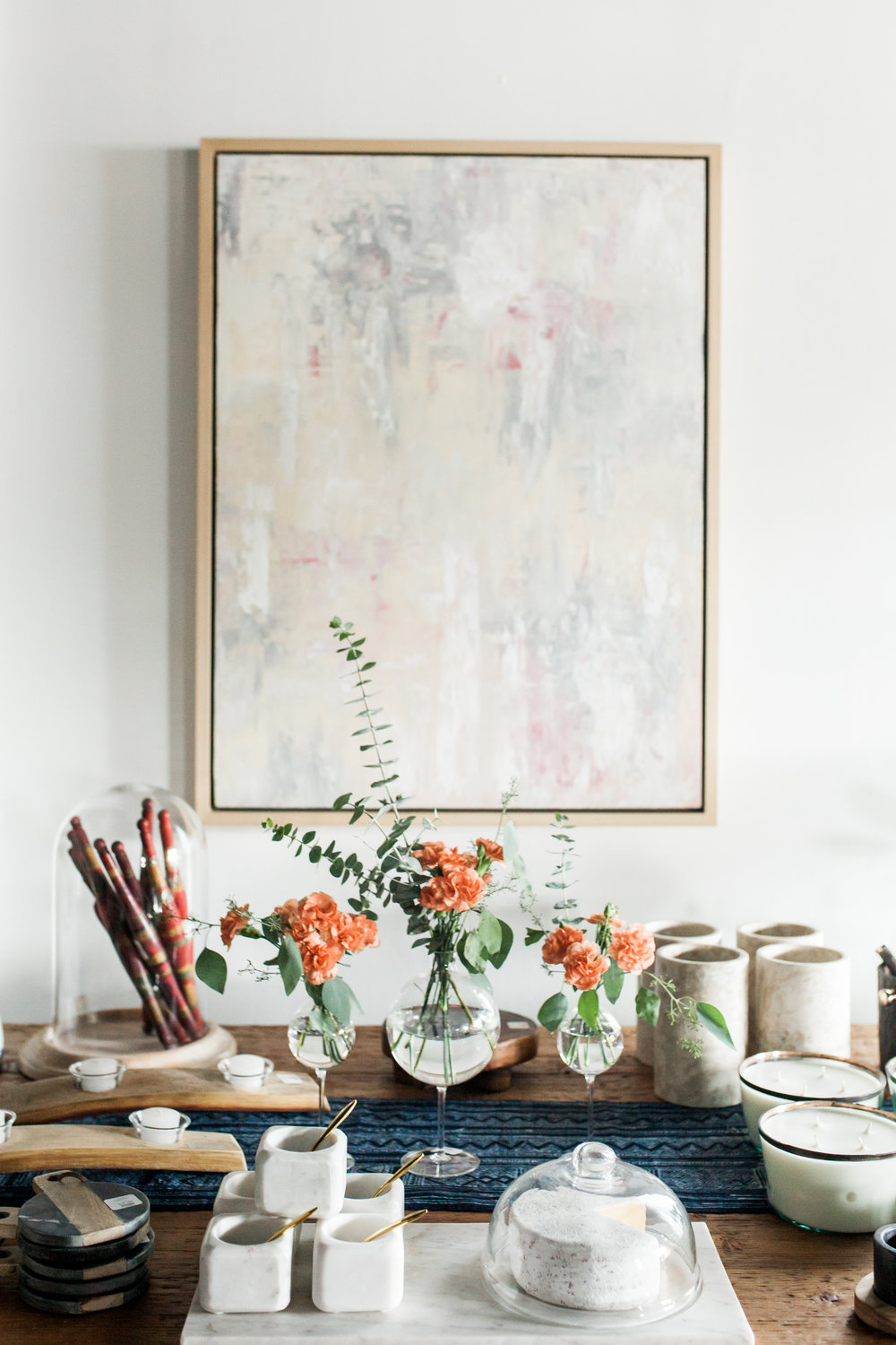 art decor and vase.jpg