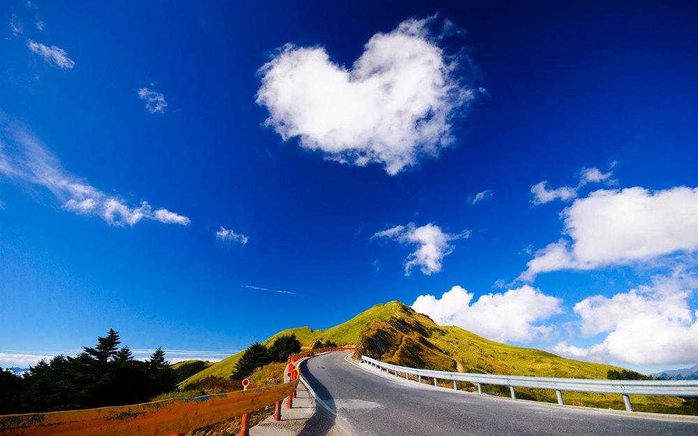 WEB SITE SKY HEART CLOUD.jpg