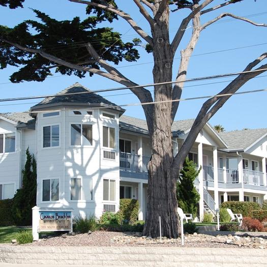 CAYUCOS BEACH INN - Toll Free: 800-482-0555A modern, clean, pet-friendly motel, close to the ocean. Free continental breakfast, free wi-fi internet, outdoor gas BBQ, and even a pet washing area.333 S. Ocean Avenue805-995-2828 admin@CayucosBeachInn.com