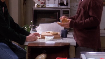 S01E15-bagel.png