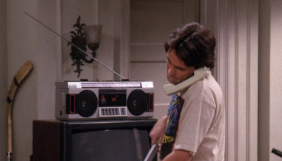 S01E15-boombox.png