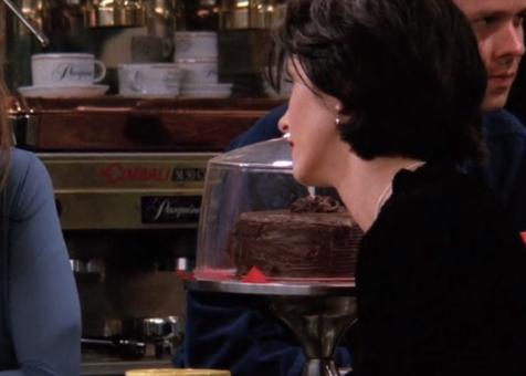 S02E04-chocolate-cake.png