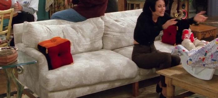 S02E06-square-pillows.png