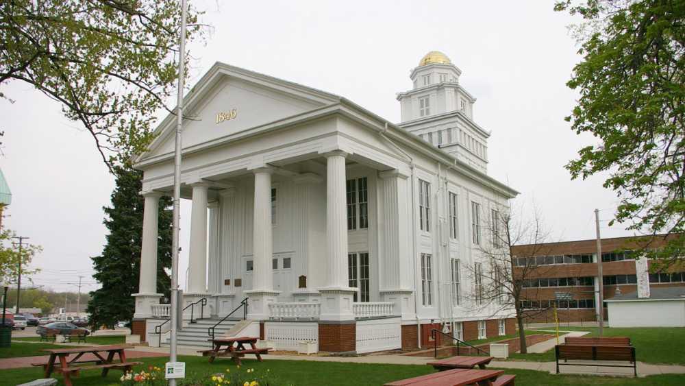 lapeer courthouse.jpg