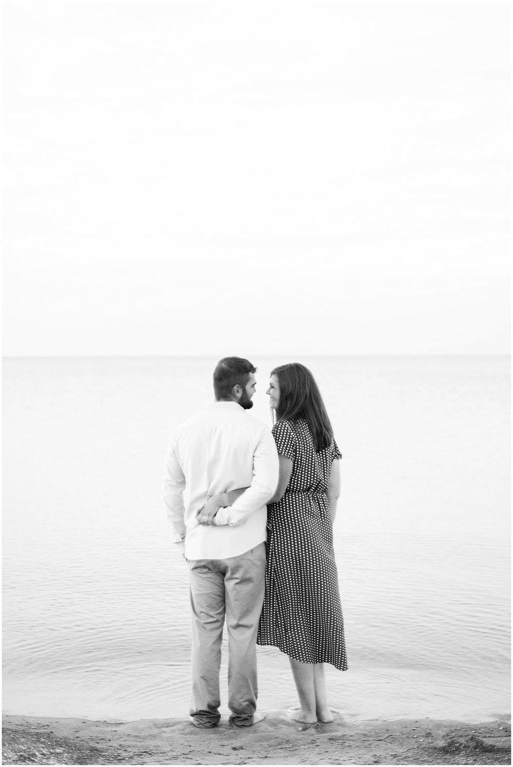 marquette-park-beach-engagement-photographer_0026.jpg