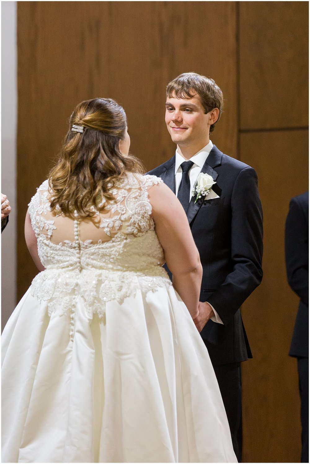 detroit-fairlane-club-fall-wedding_0008.jpg