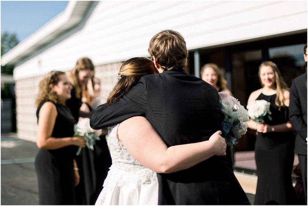 detroit-fairlane-club-fall-wedding_0012.jpg