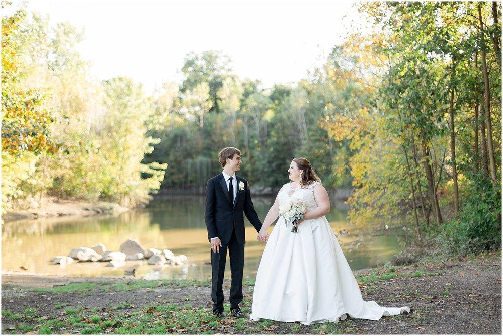 detroit-fairlane-club-fall-wedding_0030.jpg