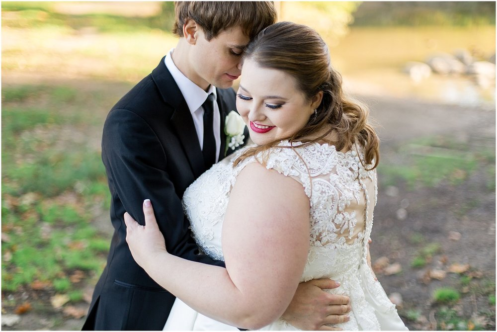detroit-fairlane-club-fall-wedding_0034.jpg