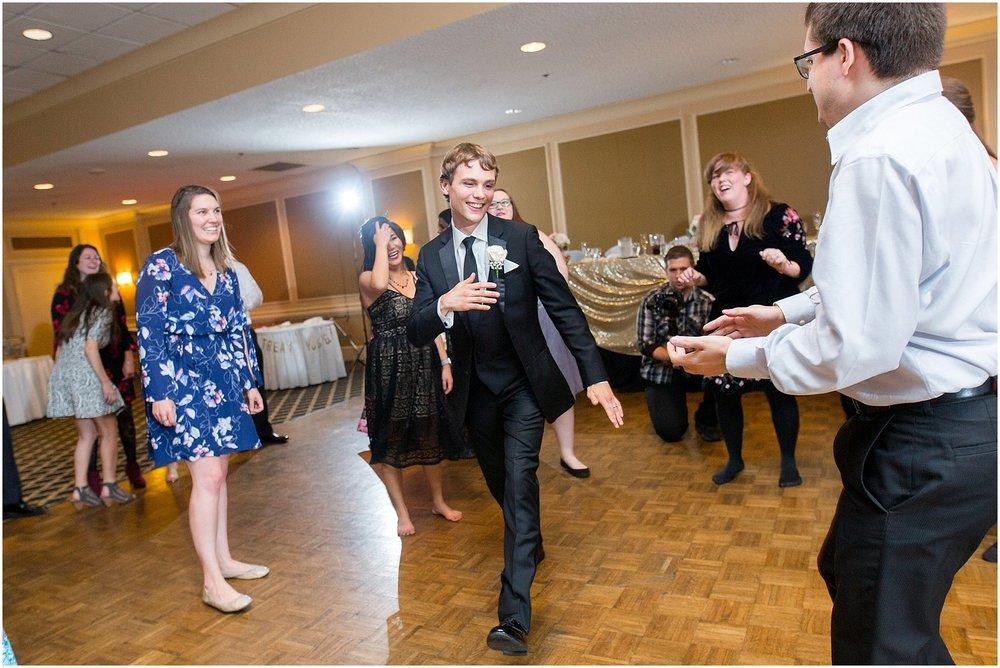 detroit-fairlane-club-fall-wedding_0051.jpg