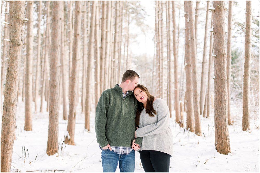 winter-downtown-engagement-session_0034.jpg