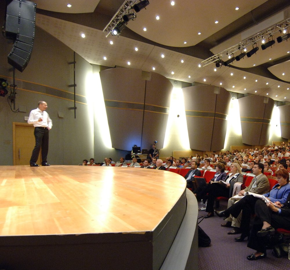 Kaj_speaking-on stage.JPG
