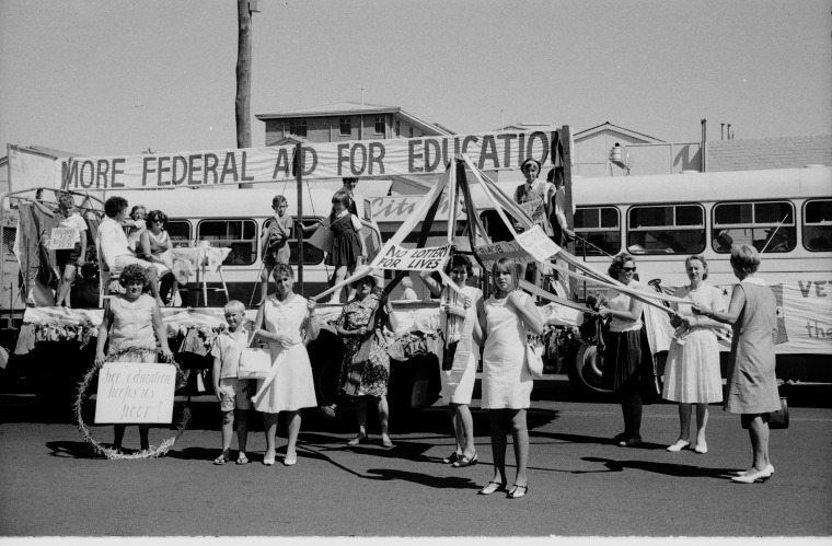 May Day, 5 May 1972, Gilchrist Collection of Photographs, State Library of WA 380344PD