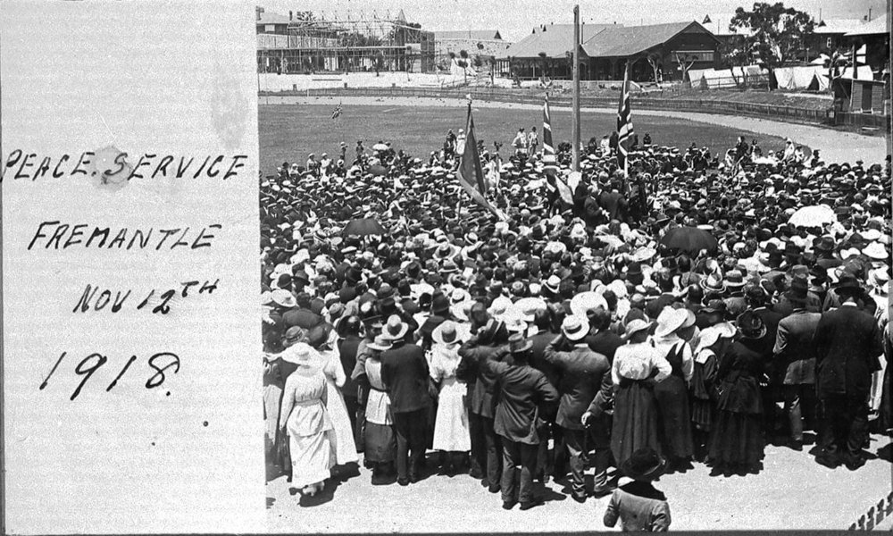 Peace Service Fremantle Nov 12th 1918, Fremantle History Society Image No. 1494H