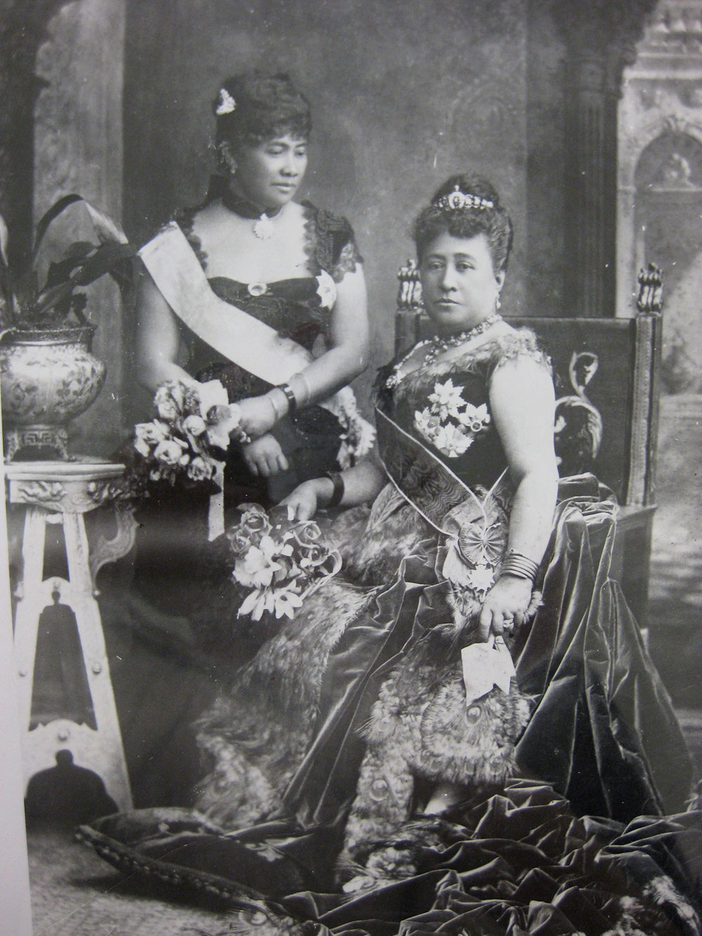 Photo Queen Kapiolani and Crown Princess Liliuokalani of Hawaii at Queen Victoria's Golden Jubilee 1887, Conference Website/Hawaii State Archives