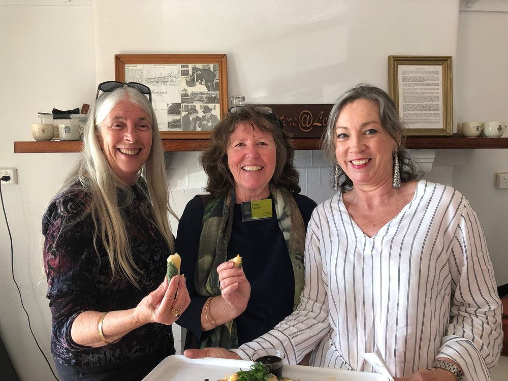 l-r Robyn Chinnery, Patsy Vizents, Helen Munt (photographed by Pam Harris