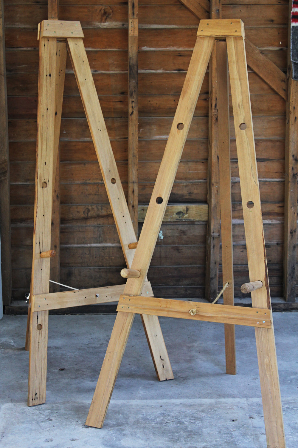 Wooden-Easel-hire
