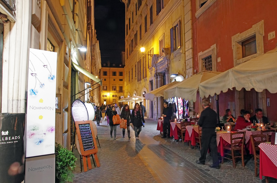 Night-On-Rome-Streets.jpg