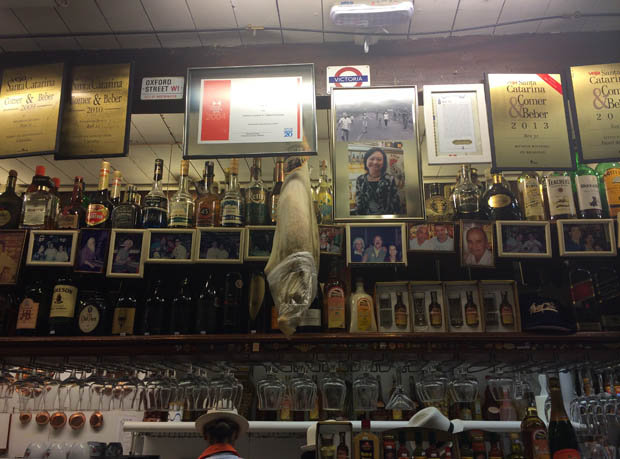 Behind the bar of the Florianopolis institution [EB]