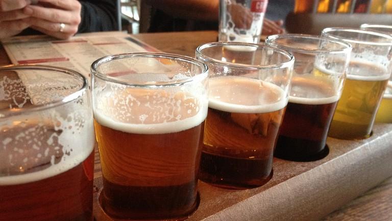 Craft beer tasting   © CK Golf / Flickr