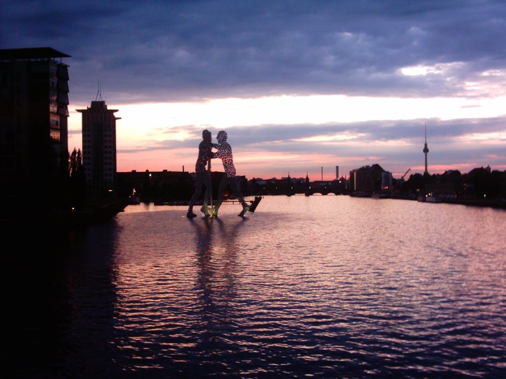 Molecule Man at dusk | © Jensen / Wikipedia Commons