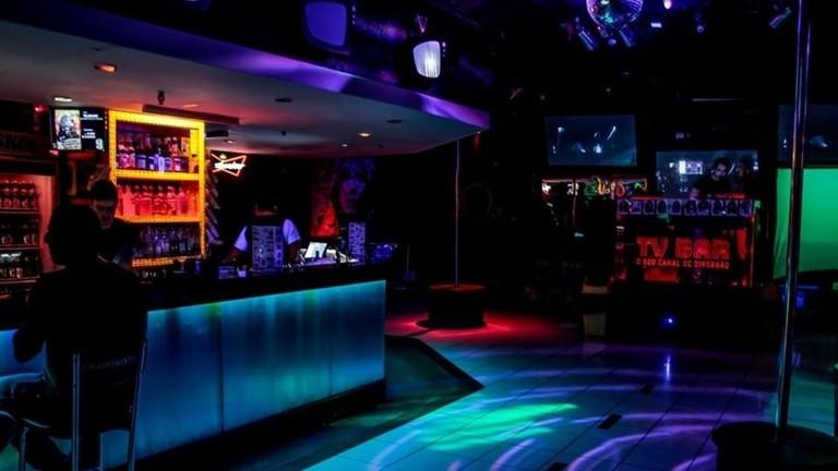 The LGBT-friendly TV bar in Copacabana|© TV Bar