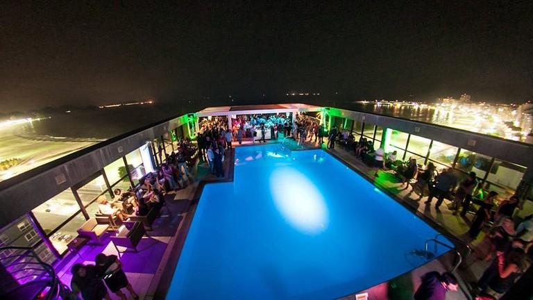 Deck Bar Lounge|Courtesy of Pestana