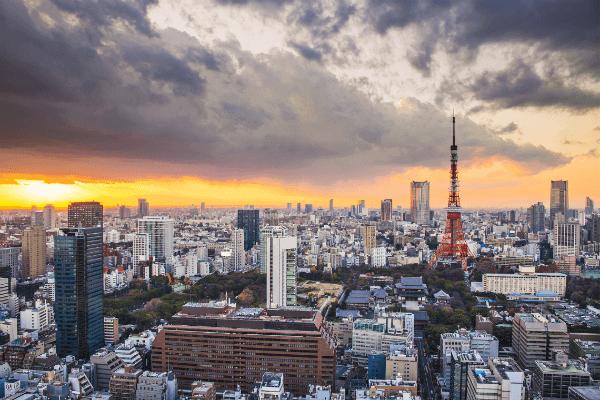 Tokyo-Tower-Tokyo-Japan-Cloudy-Sky-600.png