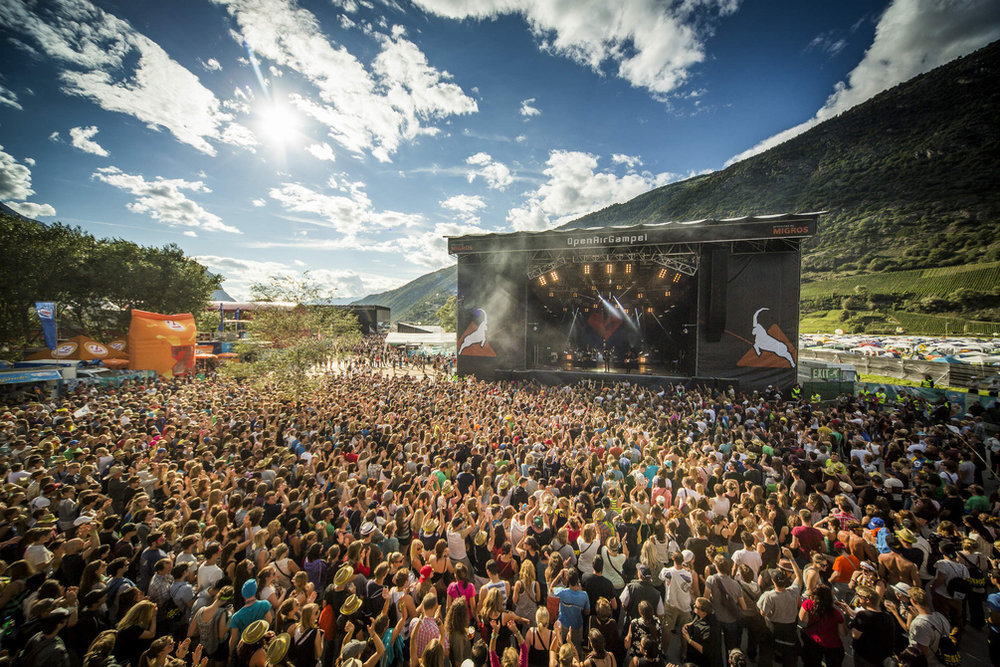 Line-Up 2018: 30 Seconds To Mars, Macklemore, The Chemical Brothers, Dropkick Murphys, Kodaline, Marteria, Wanda, Mando Diao, Walk Off The Earth, 187 Strassenbande, Fat Freddy's Drop, Feine Sahne Fischfilet, Seasick Steve, The Baseballs, Tom Walker, Welshly Arms, Eluveitie, Eskimo Callboy, Faber, Hecht, Käptn Peng & die Tentakel von Delphi, Shame, Skinny Lister, De Staat, Dodo, Saltatio Mortis, Steff La Cheffe, Stereo Honey, The Joy Formidable, Yungblud, Danitsa, Death By Chocolate, The Gardener & The Tree, Tobias Carshey, Turbobier, WintersHome, Vibez.